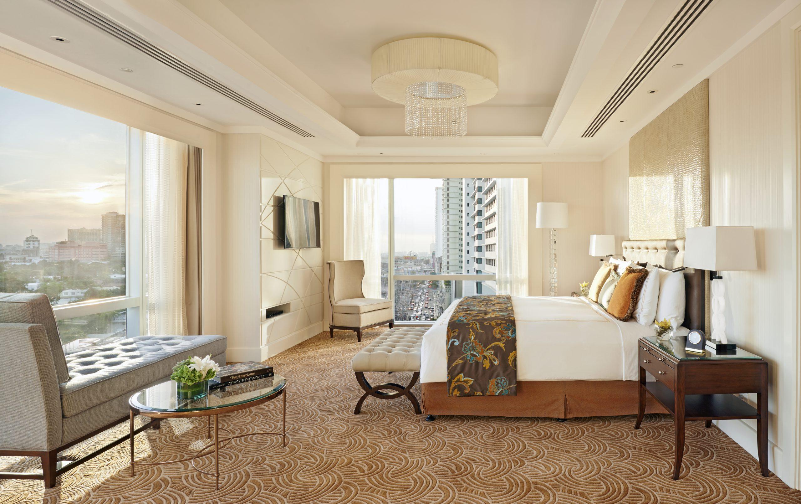 https://www.ayalaland.com.ph/app/uploads/2021/09/Fairmont-Presidential-Suite-Bedroom-scaled.jpg